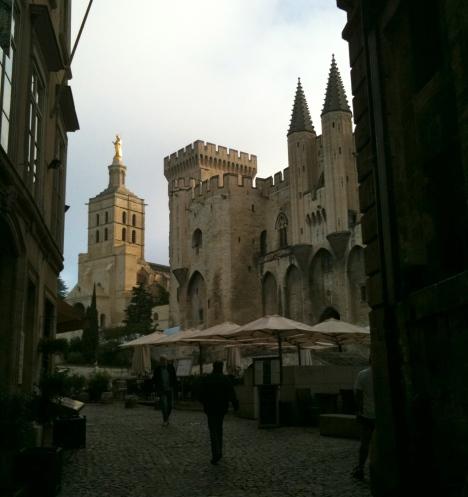 palais des papes/cafe-Avignon